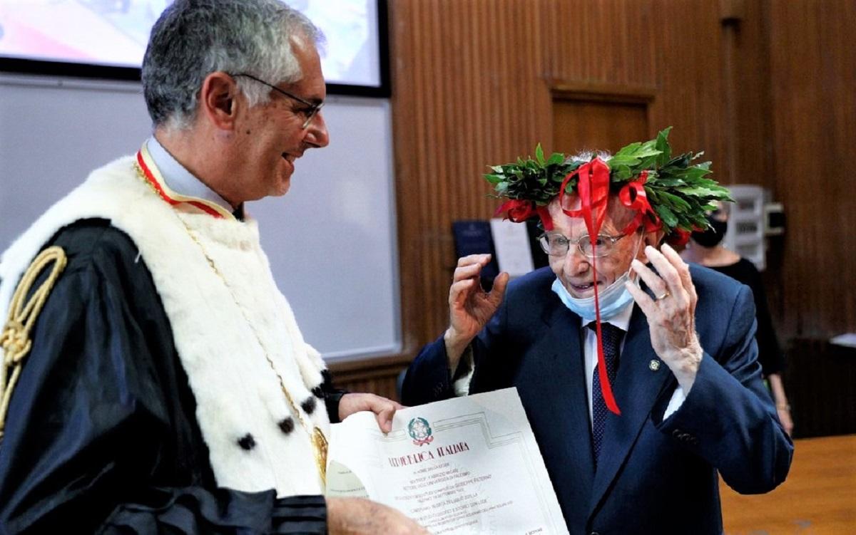 Capa - Com 96 anos, ele realizou seu sonho de se formar em História em uma universidade da Itália