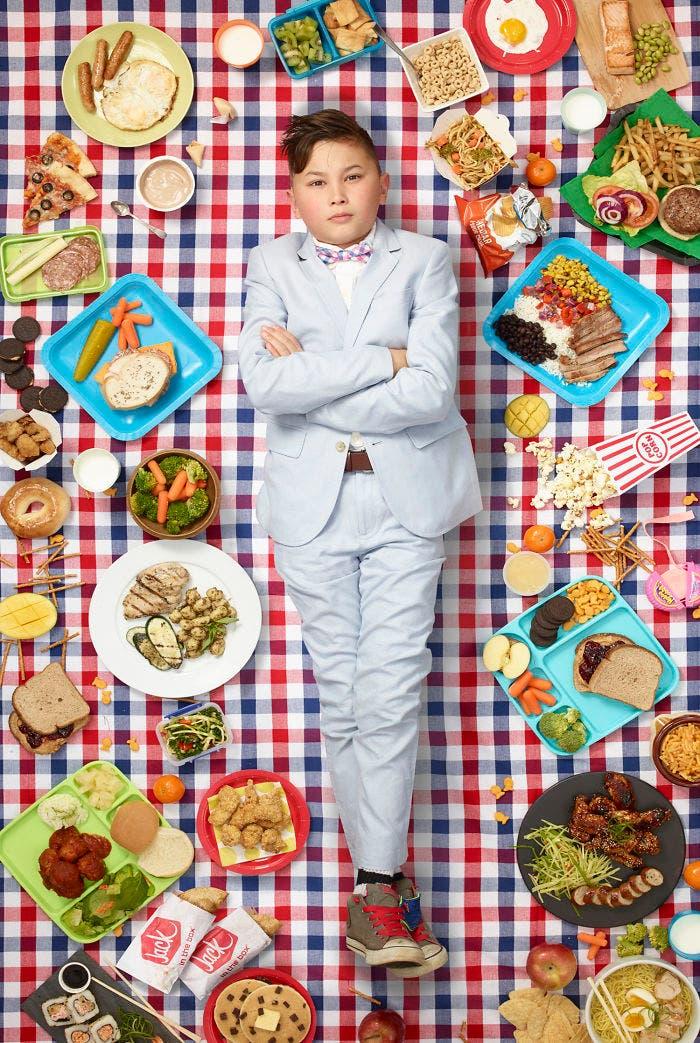 2 3 - 10 fotos de crianças de vários países que demonstram o que comem em uma semana