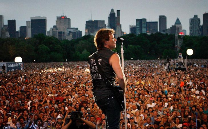 4 2 - Jon Bon Jovi surpreende com seu físico tonificado. Ele fez uma pausa em suas excursões e instituições de caridade