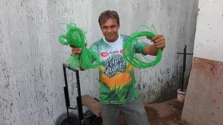 gari ecologico 2 - O varredor de rua brasileiro venceu o alcoolismo e se tornou uma celebridade da reciclagem no YouTube