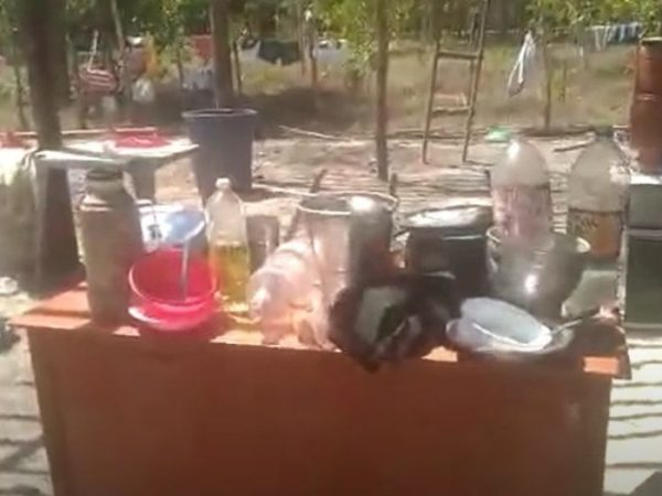 vitoria casa3 e1600832217531 - Menina sonha em ter geladeira para poder beber água gelada.