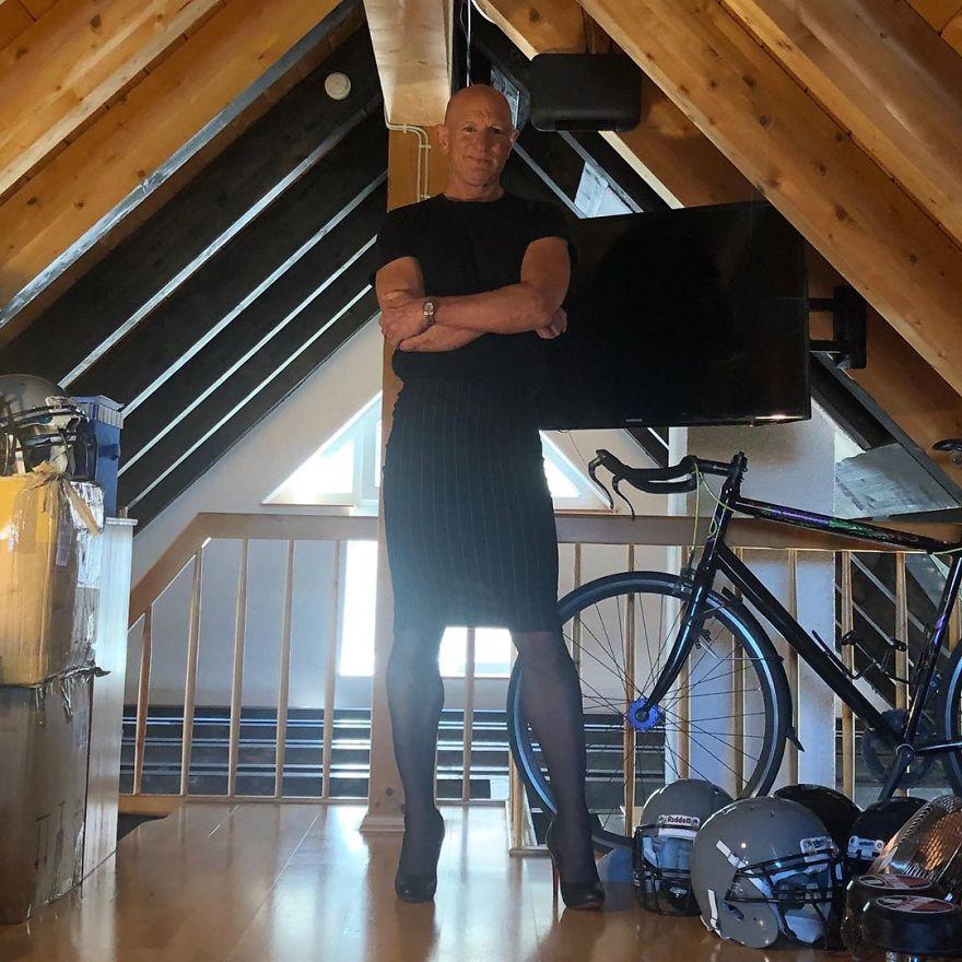 13 1 - Saias e saltos altos não são apenas para mulheres, esse cara prova isso perfeitamente (30 fotos)