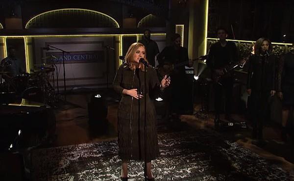 34690720 8866519 image a 132 1603336662810 - Adele impressiona seus fãs em vídeo novo depois de emagrecer 45 kg