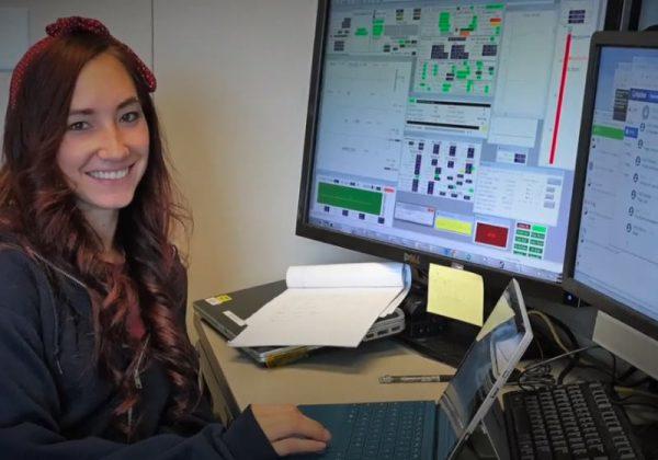 casey agualua e1603880051888 - A jovem cientista da NASA que descobriu água na lua é bolsista, havaiana e tem dislexia