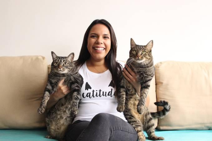 "cattitude03 - Publicitária abandona seu emprego ""chato"" e abre seu negócio dos sonhos: ser babá de gatos"