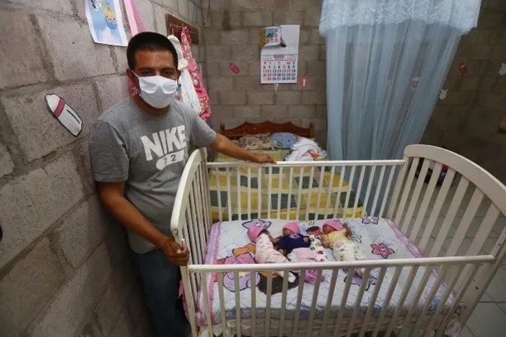 fmch15052020jftri72.jpg 1102185208 - Sua esposa morreu e ele sozinho cuida de seus trigêmeos recém-nascidos.