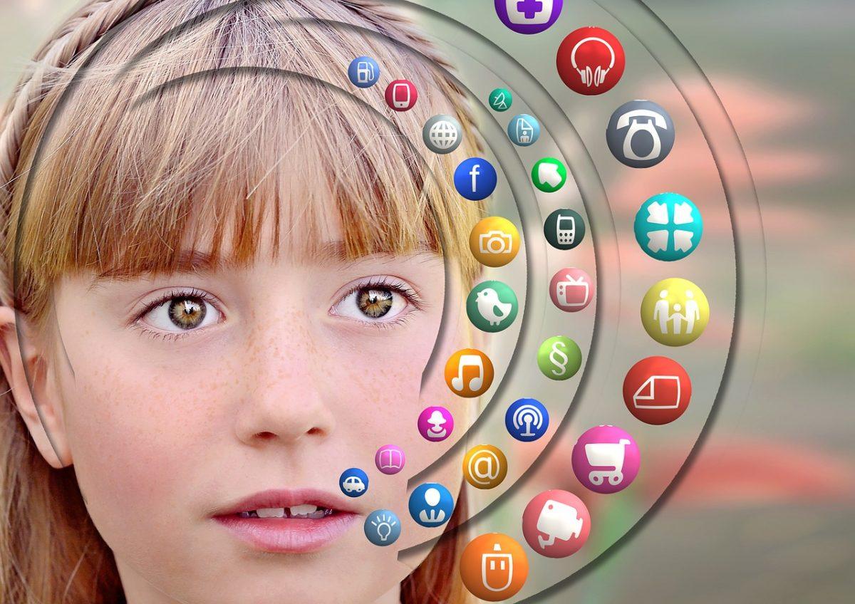 """girl 908168 1280 scaled - """"Nova Geração Digital"""": os filhos têm QI inferior ao dos pais pela primeira vez!"""