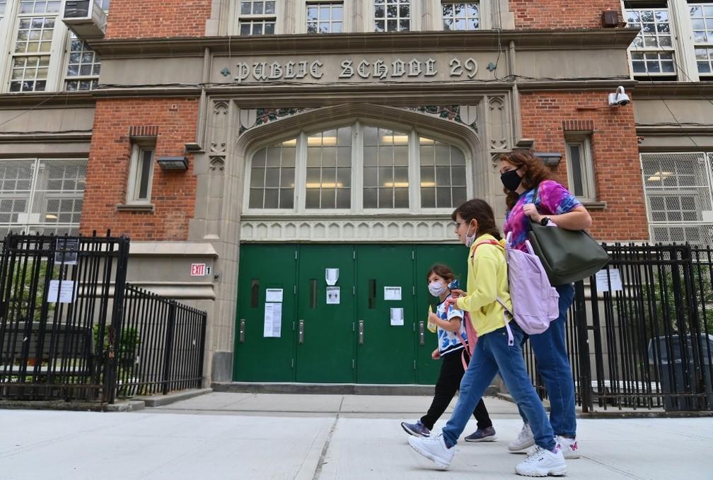 000 8vg246 - Prefeitura de Nova York ordena fechamento de escolas na tentativa de conter explosão da Covid-19