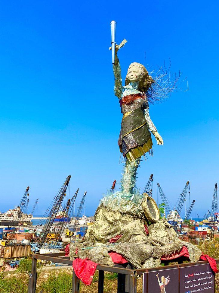 5 2 - Artista libanesa cria escultura poderosa com as cinzas deixadas pela explosão em Beirute. Um tributo