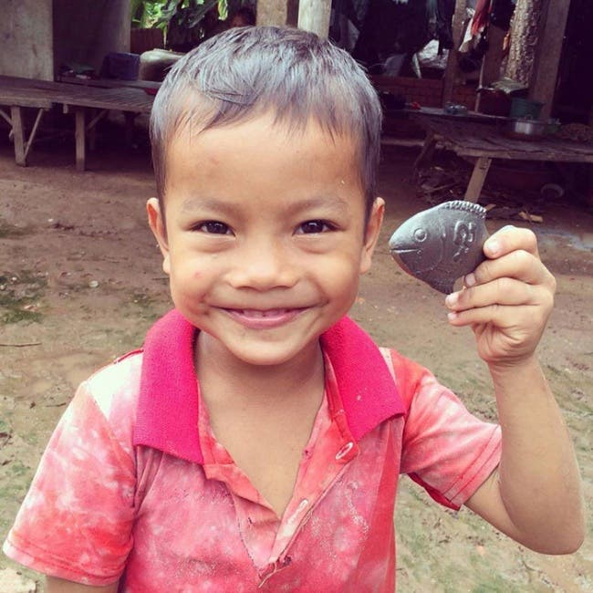 7 1 - Este peixinho de ferro está salvando a vida de milhares de crianças