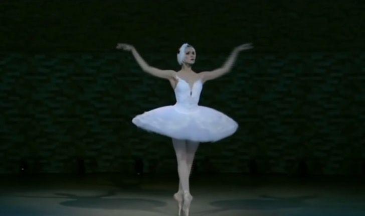 """Captura de Pantalla 2020 11 10 a las 11.09.27 - Bailarina com Alzheimer desperta ao ouvir """"O Lago dos Cisnes"""""""