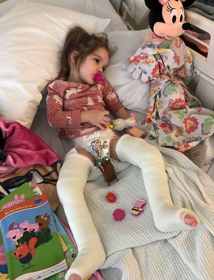 Captura de Pantalla 2020 11 25 a las 22.07.51 - Milionário anônimo pagou a cirurgia de uma garota com paralisia e a mandou para a Disneylândia. Será capaz de andar