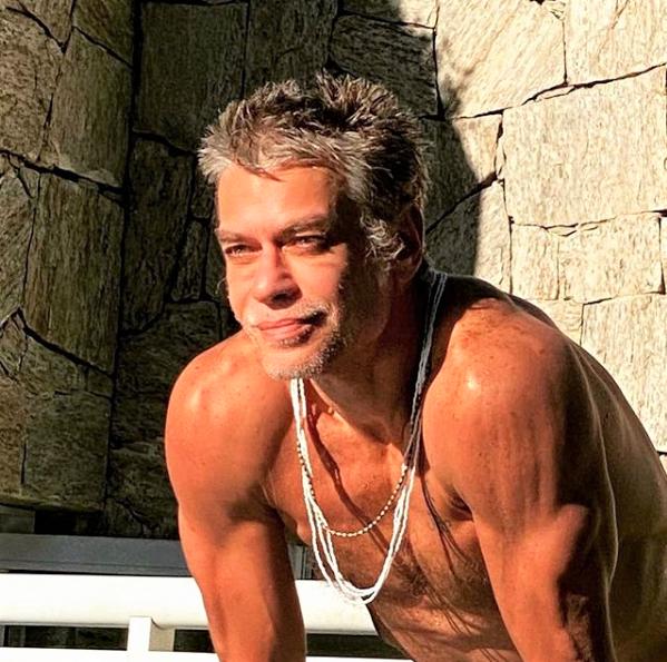 """Captura de Tela 154 - Fábio Assunção comemora o novo estilo de vida e fã elogiou: """"Transformação mais inspiradora"""""""