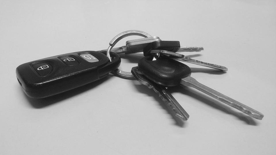 chave do carro Pixabay - Chefe deu a seu empregado um carro para impedi-lo de caminhar quilômetros até o trabalho.