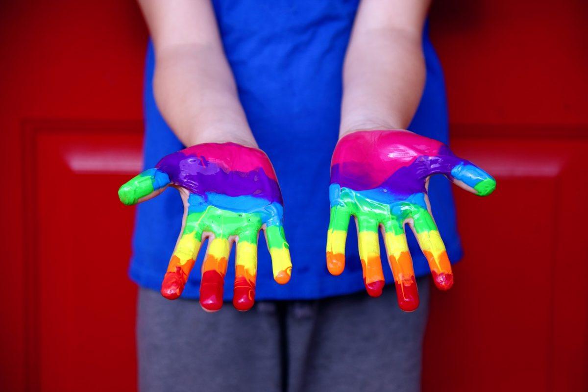 """human rights 3805188 1280 scaled - Presidente espanhol escreve carta a menino atacado por homofobia: """"O ódio não tem futuro, mas você sim"""""""
