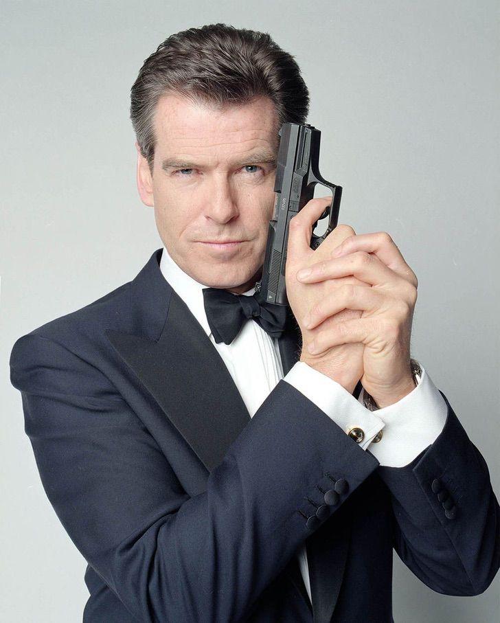 """jamesbond sean connery pierce brosnan infancia0005 - """"Você foi meu melhor James Bond"""": Pierce Brosnan prestou uma bela homenagem a Sean Connery após sua partida"""