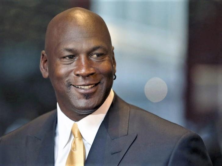jordan 1 - Michael Jordan doa US $ 2 milhões para alimentar famílias carentes.