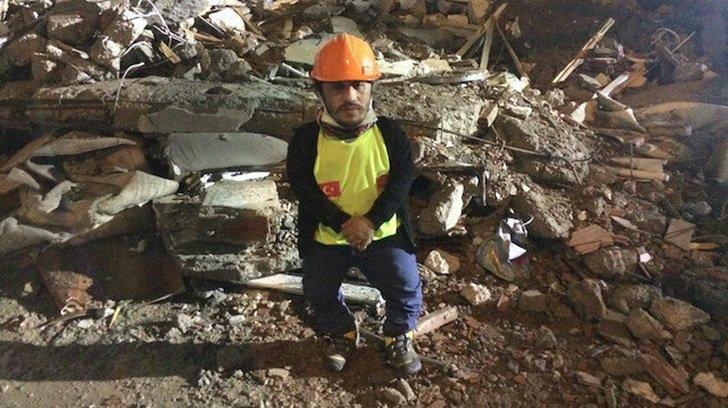 resized 164c7 cec2232ee0b106e55bccbf1064c61a1b - O homem com nanismo se torna o herói ao resgatar pessoas na Turquia. Seu tamanho é sua grande vantagem