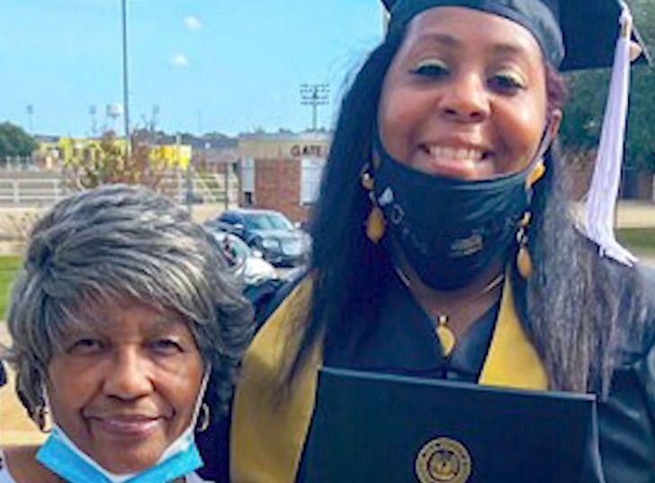 3 Captura de Pantalla 2020 12 04 a las 14.00.35 - Tyra Muhammad se formou na faculdade 26 anos depois de entrar. A perseverança é muito importante!
