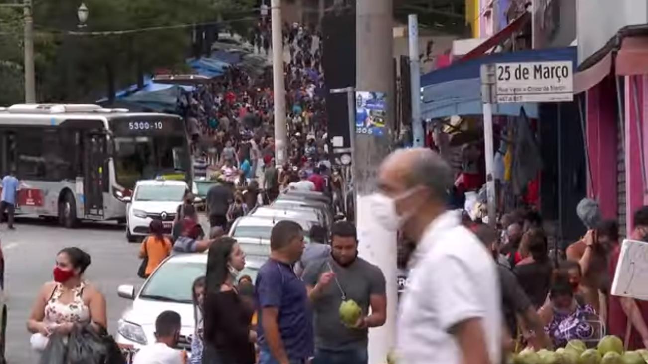 Captura de Tela 260 - Faltando poucos dias para o Natal, São Paulo tem sábado de aglomerações exageradas e perigosas no comércio (vídeo)