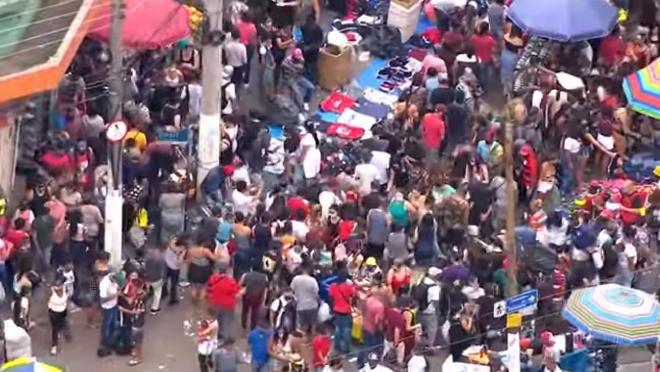 Captura de Tela 263 - Faltando poucos dias para o Natal, São Paulo tem sábado de aglomerações exageradas e perigosas no comércio (vídeo)