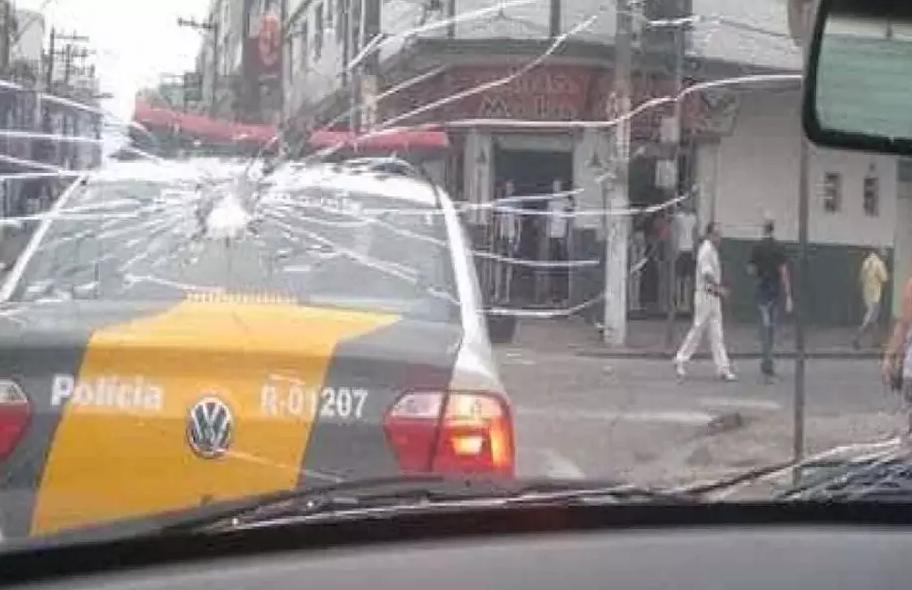 Captura de Tela 282 - Cenas de arrastão espalham pânico, terror e falta de segurança no centro de SP (vídeo)
