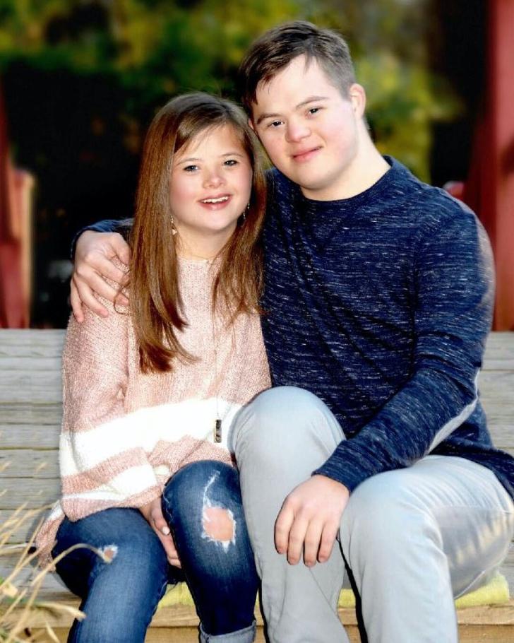 image 2 - Jovem de 21 anos com síndrome de Down é contratado como entregador. Você pode finalmente se tornar independente