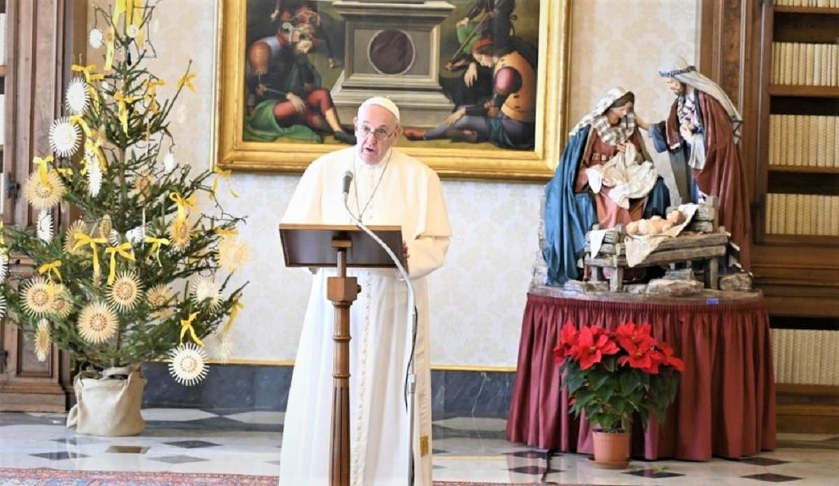 """papa vaticano - Papa Francisco DECLARA """"Ano da Família"""" e suplica prioridade ao """"perdão sobre a discórdia"""""""
