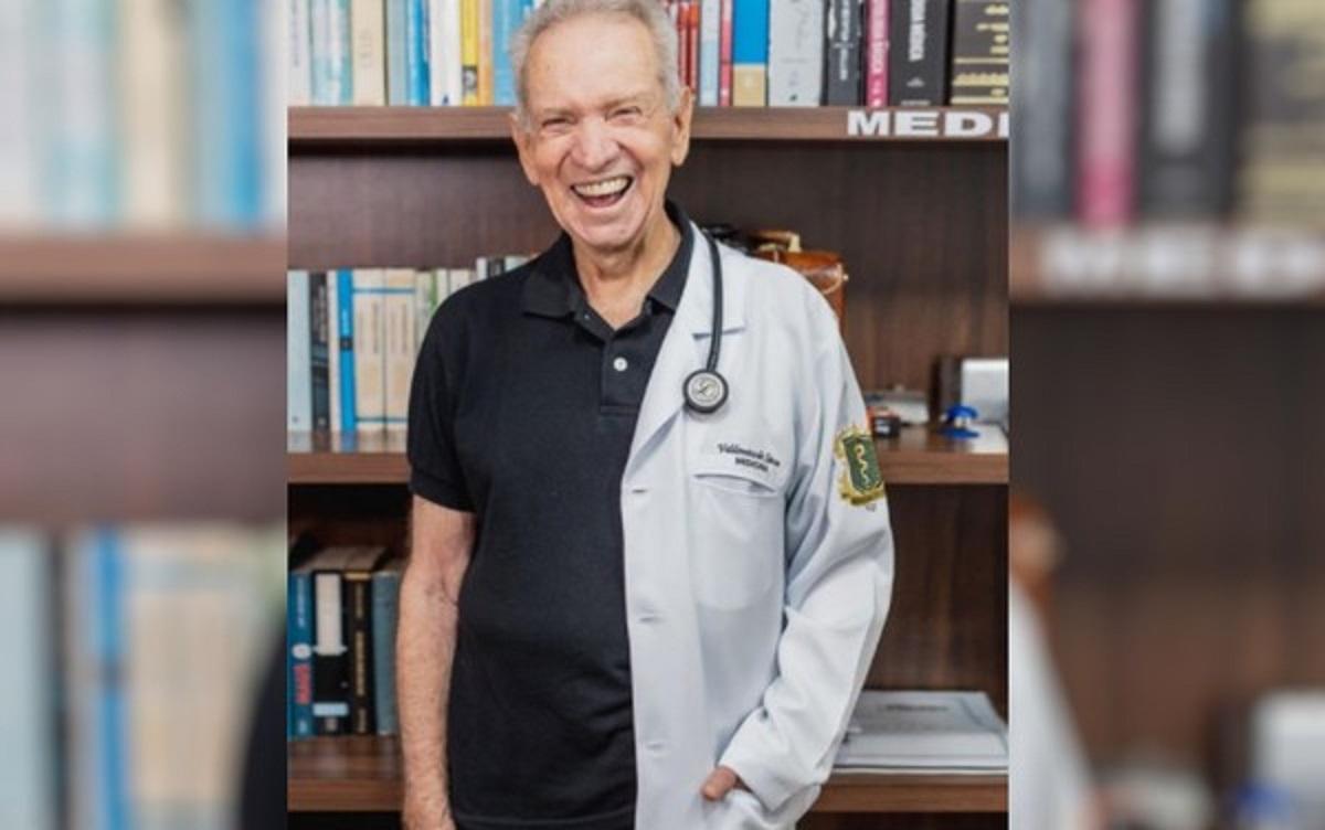 """valdomiro med - Valdomiro de Sousa que sonha ser médico conclui metade do curso aos 87 anos """"Foi muito difícil, mas é um sonho de muitos anos"""""""