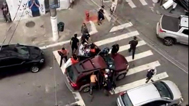 ximage.pagespeed.ic .cn1stjszvk - Cenas de arrastão espalham pânico, terror e falta de segurança no centro de SP (vídeo)