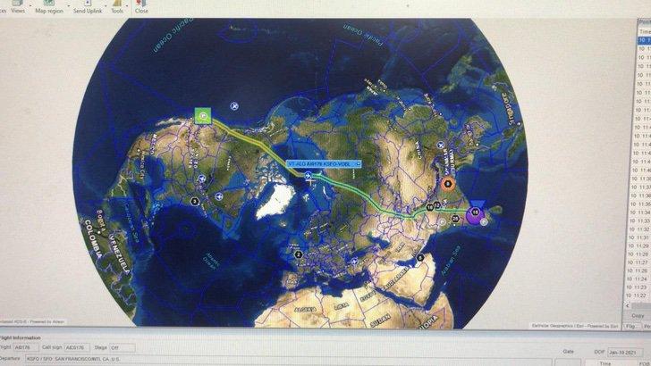 3 5 - Mulheres pilotaram o voo comercial mais longo da Índia. Foram 17 horas de viagem sem parar