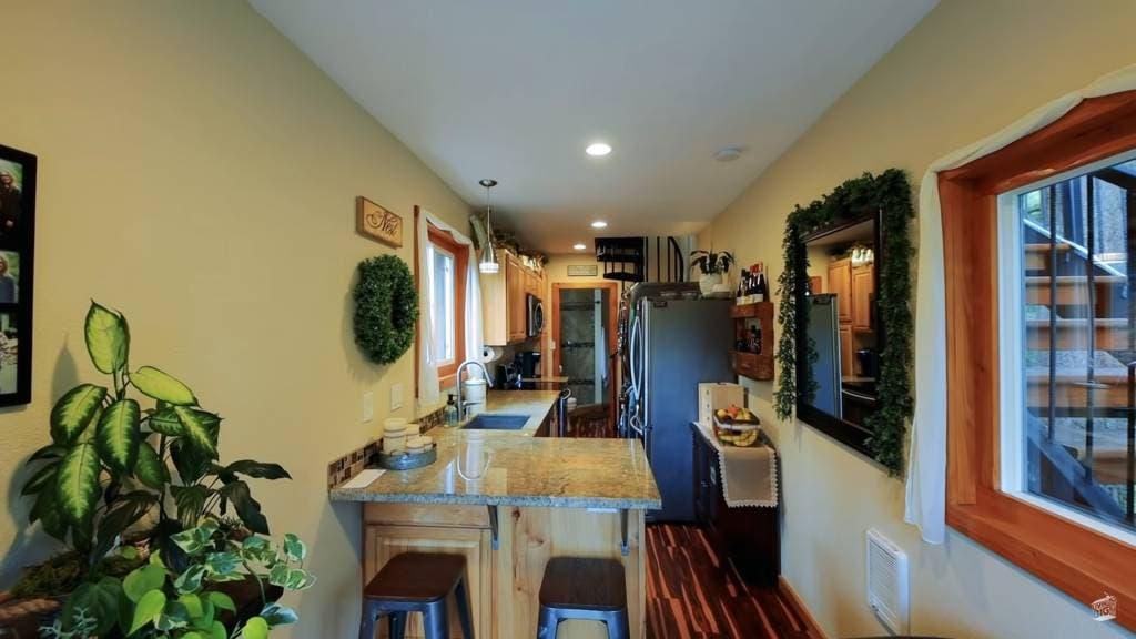 3 - Casal construiu sua casa própria usando contêineres para viverem sem dívidas