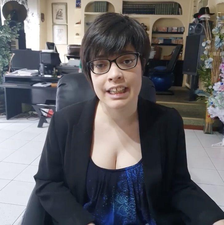 Captura de Pantalla 2021 01 14 a las 13.33.24 2 - A mulher que nasceu com paralisia cerebral torna-se psicóloga e empresária. Superou suas barreiras!