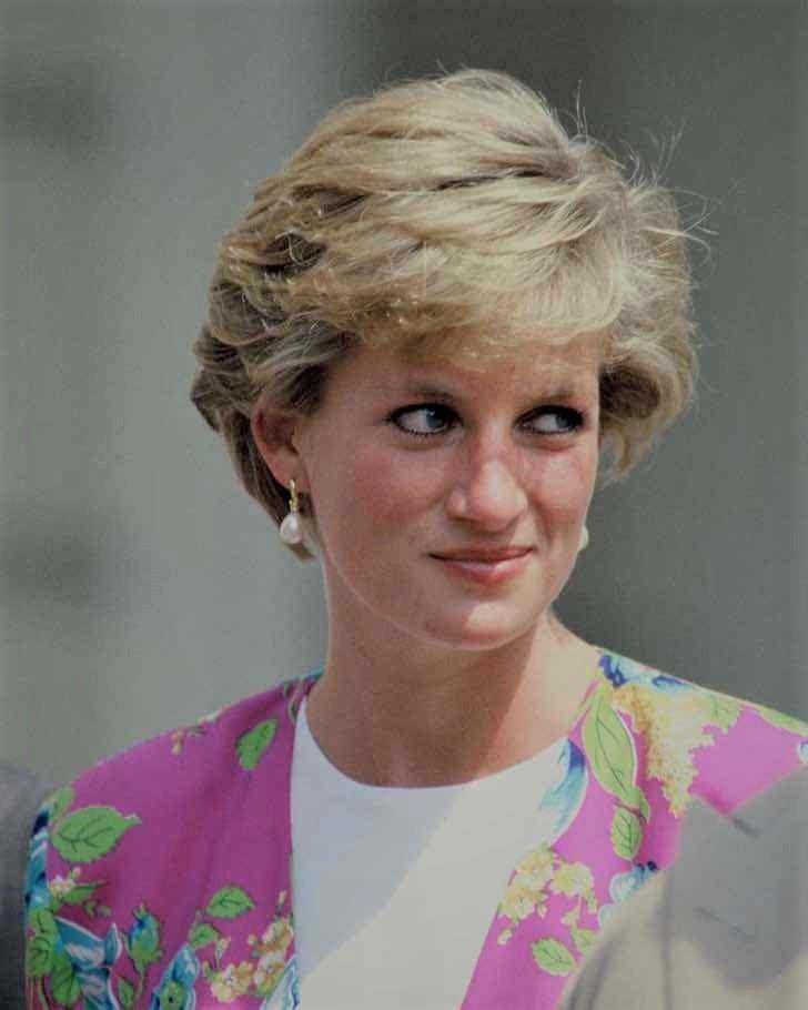 diana pelicula kristen stewart0003 - Kristen Stewart mostra seu visual como Diana de Gales. Já se fala de uma atuação digna do Oscar