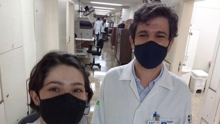 fisioterapeuta livia pimenta bonifacio e professor fernando bellissimo rodrigues da fmrp 1611751749893 v2 750x421 - 64% dos pacientes recuperados da Covid-19 continua com sintomas