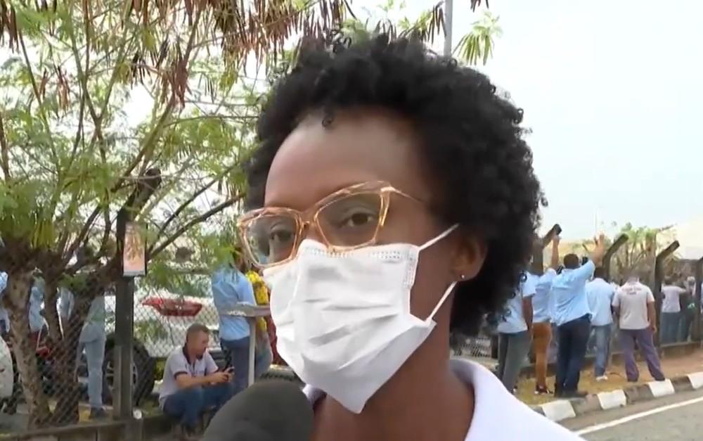 """ford cintia - Funcionários da Ford na Bahia estão sofrendo com o fechamento da fábrica: """"É triste""""."""