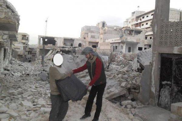 """jovem siria formado e1610474572689 - """"Um novo começo é possível"""" diz jovem que fugiu da guerra na Síria e se formou 8 anos depois na Irlanda"""