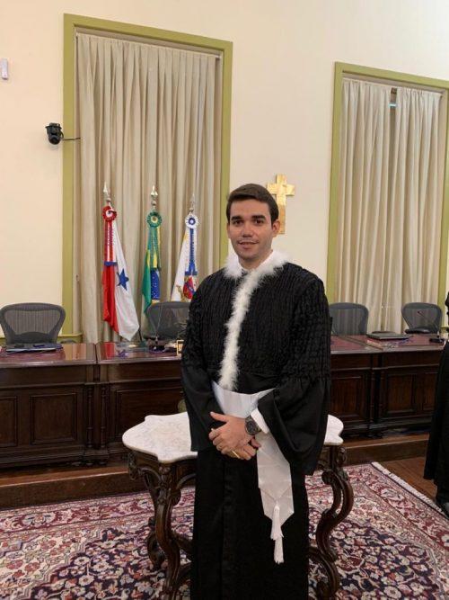 juiz filho lavadeira e1610478379922 - De origem humilde, pai carroceiro e mãe lavadeira, superou dificuldades e foi empossado Juiz no Pará