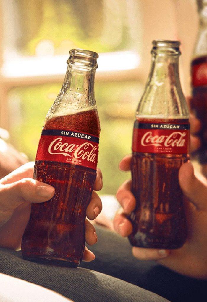 3 5 - A Coca-Cola começará a vender suas bebidas em garrafas de papel.