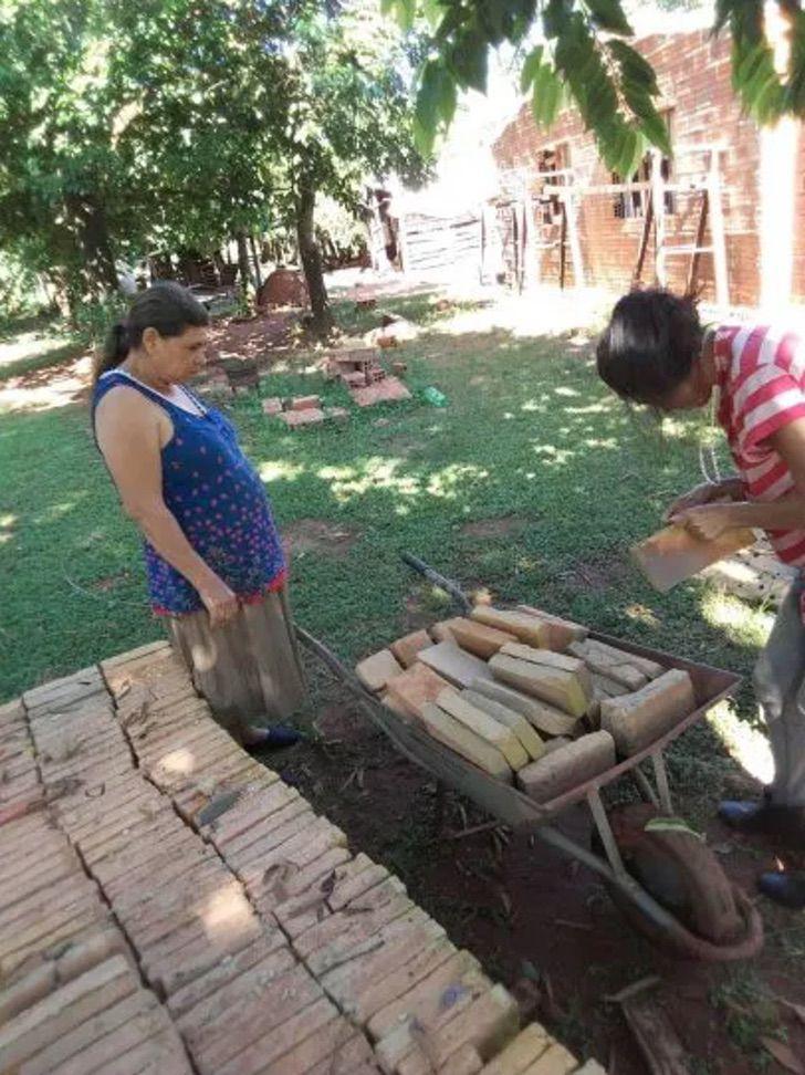 3 Captura de Pantalla 2021 02 08 a las 17.07.06 - Youtuber construiu casa para sua família graças aos seus vídeos