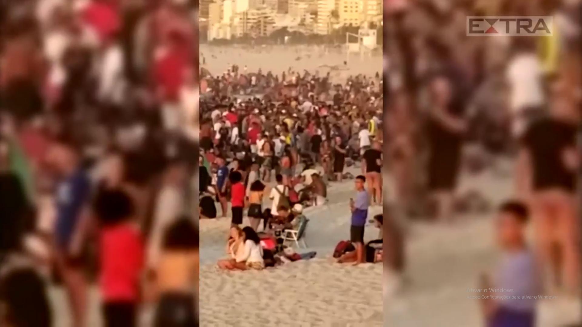 Captura de Tela 596 - No domingo (31), praia de Ipanema amanhece lotada e a aglomeração impressiona.