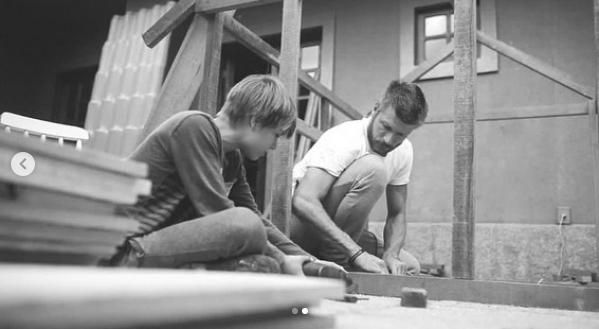 Captura de Tela 8 - Rodrigo Hilbert aparece construindo uma casinha de madeira para a filha e fãs enlouquecem