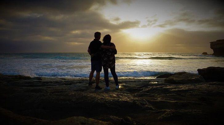 c - Ela tem 63 anos, ele 46 e estão juntos há mais de 10 anos. Esta é a história de María e Juanjo Marcos Míguez