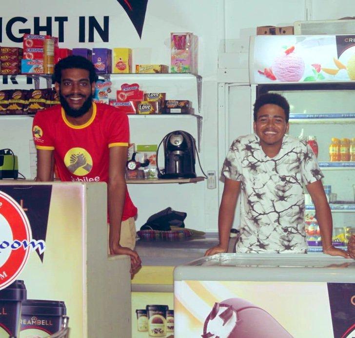 ridiculizaron vender helados tras graduarse luego tapo bocas abriendo propia tienda 3 - Ridicularizado por vender sorvete após a formatura Salim é um exemplo de superação