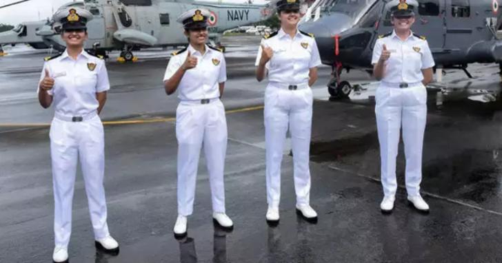 1 1 - Pela primeira vez em 23 anos, a Marinha da Índia envia quatro mulheres para navios de guerra!