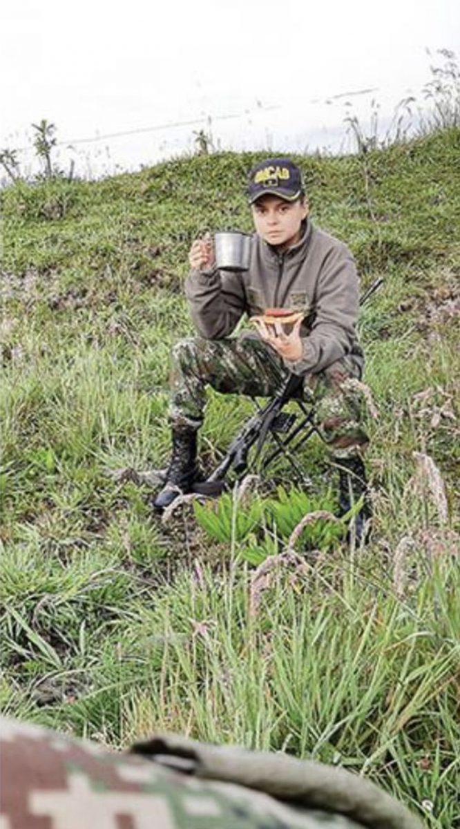 1 4 scaled - Pela primeira vez, uma mulher comanda as tropas do exército colombiano na selva. É a senhora de ferro!