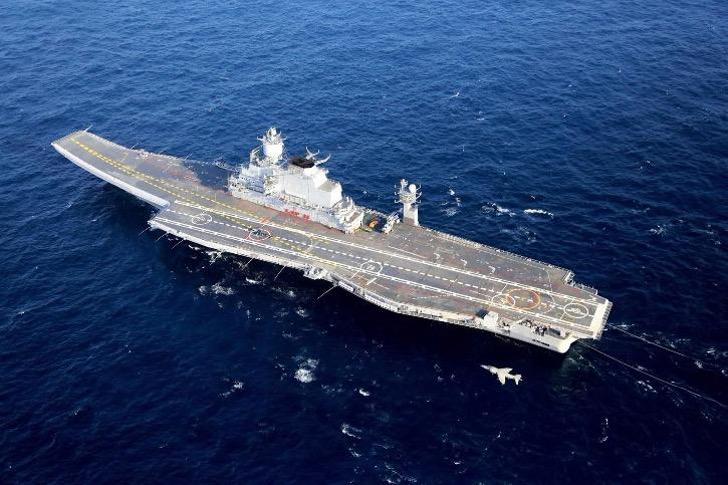 3 10 - Pela primeira vez em 23 anos, a Marinha da Índia envia quatro mulheres para navios de guerra!