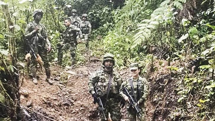 4 2 - Pela primeira vez, uma mulher comanda as tropas do exército colombiano na selva. É a senhora de ferro!