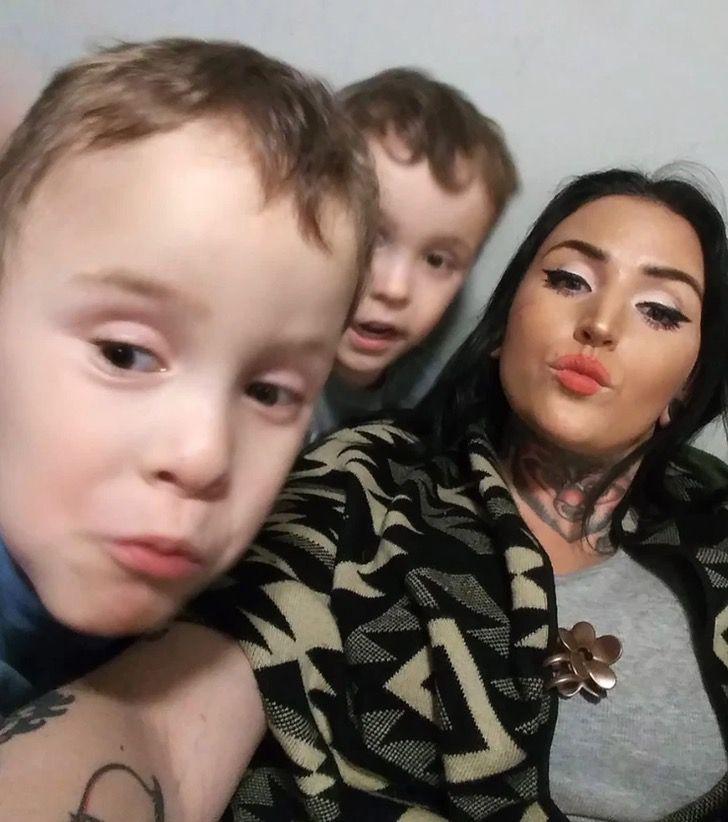 4 3 - Mãe morre em acidente de carro protegendo seus filhos gêmeos em seu próprio corpo