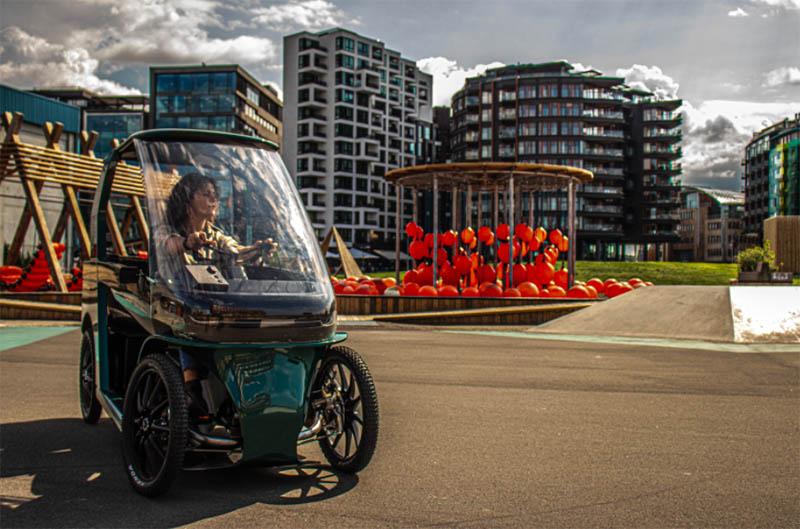 6 - Bicicleta elétrica com 4 rodas promete ser segura e confortável